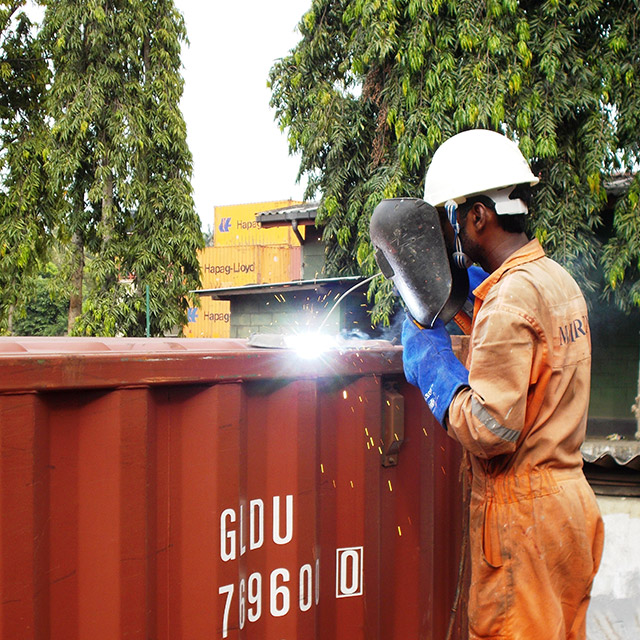 Container Cleaning, Repairs & Rigging